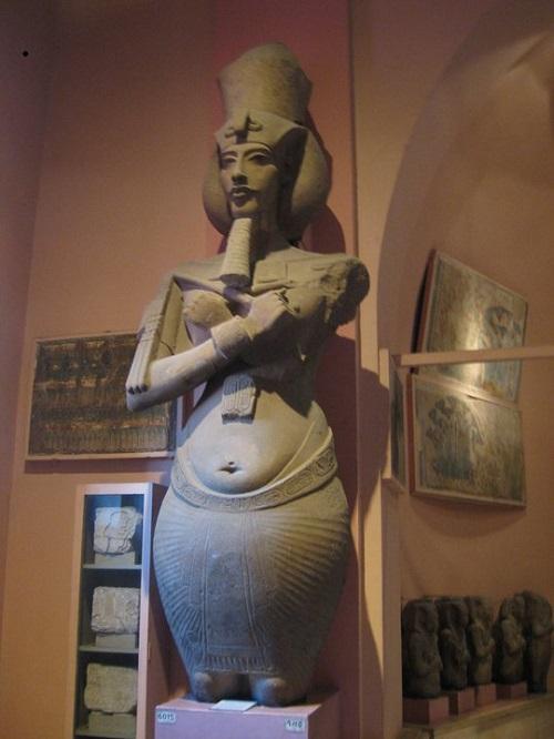 О тайном, непознанном и невероятном+Эхнатон (Аменхотеп IV) – фараон Древнего Египта, живший в период с 1375 по 1336 гг. до н.э., который правил Египтом с 1353 (или 1351) по 1335 (или 1334) гг. до н.э.